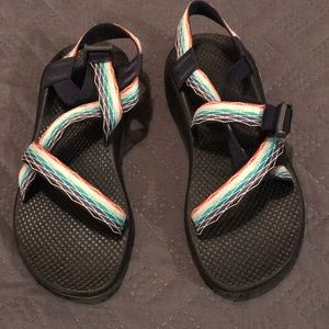 Single strapped Chacos